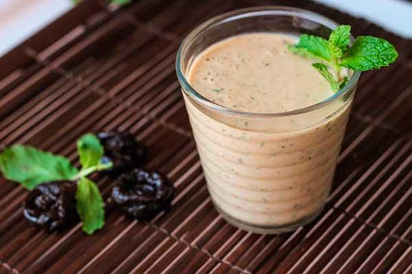 Молочный коктейль с черносливом