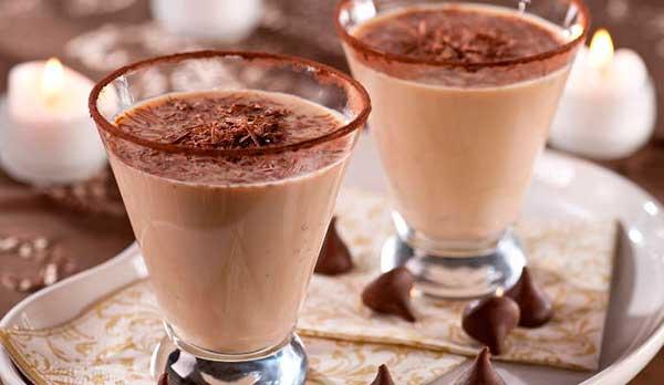 Шоколадный коктейль с мятным сиропом