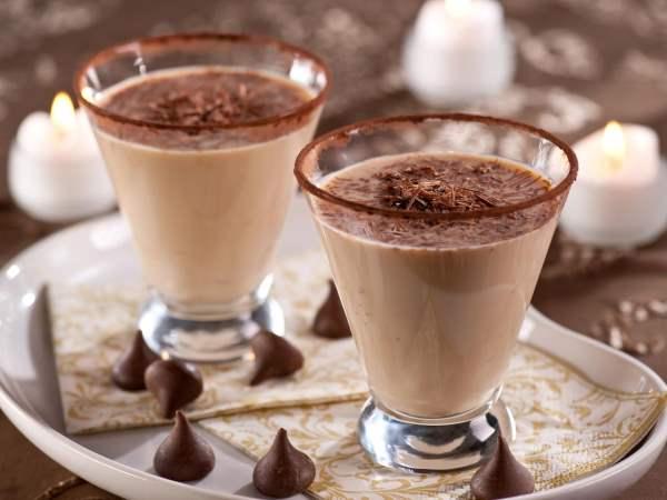 Алкогольный молочный коктейль с шоколадом
