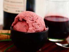 Изысканный и классический рецепты алкогольного мороженого из вина
