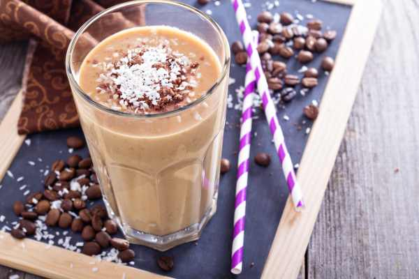 Алкогольный напиток кофе с молоком