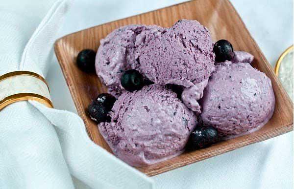 Черничное мороженое с сыром