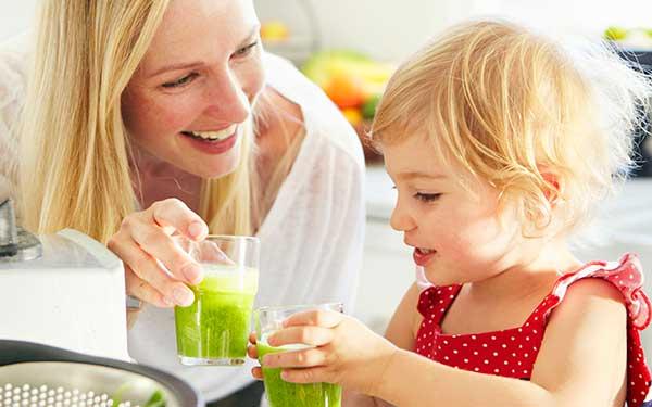 Смузи очень полезны для детского организма