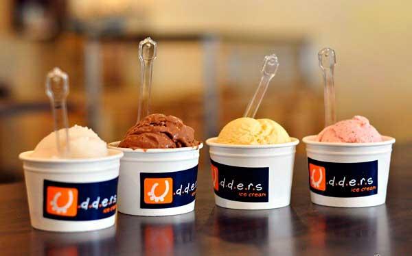 Мороженое в кафе Уддерс Сингапур