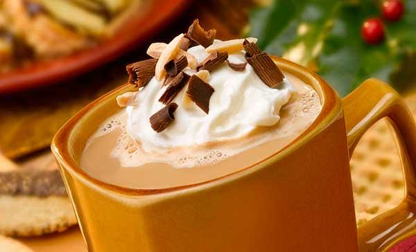 Кофе с шоколадом, мороженым и мятным сиропом
