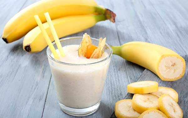 bananovo-molochnyj-detskij-koktejl