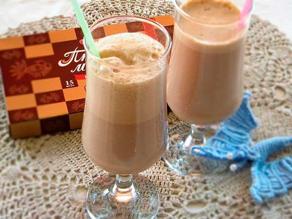 «Шоколадно-молочный» коктейль с мороженым