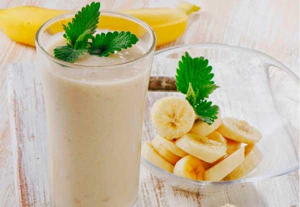 Коктейль банан молоко мороженое